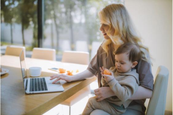 Lucrezi de acasa? Iata 3 sfaturi care te pot ajuta in organizarea eficienta a activitatilor